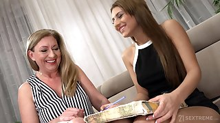 Watch horny Elizabeth Bee in kinky matured and girl manhandle video