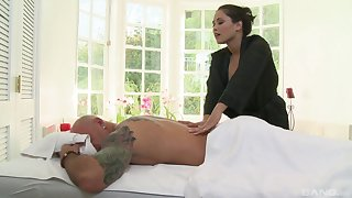 Aroused woman gives this man nearly than just a massage
