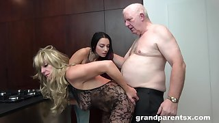 Calumnious mature slut enjoys having sex with her hubby and a younger girl