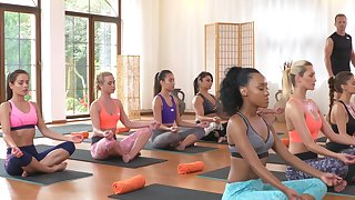 Cristal Caitlin fucks a hung yoga instructor after class