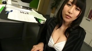 Busty Japanese coworker Yuuna Hoshisaki drops on her knees to beguile