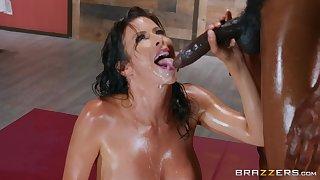 Deceive massage horny Alexis Fawx gets a hard client's penis
